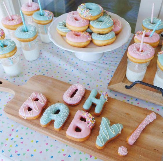 gâteau gender reveal party